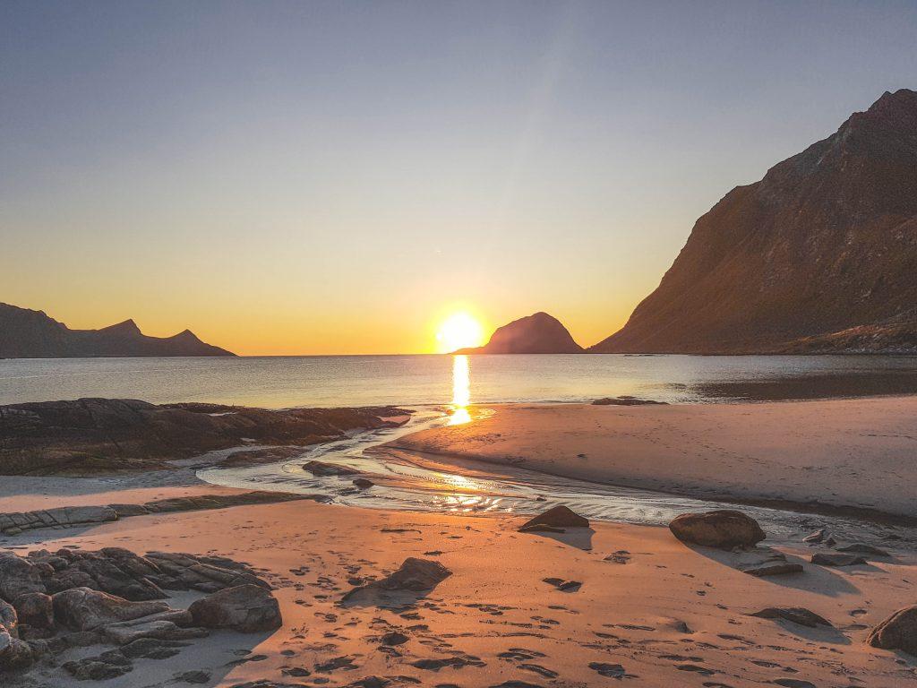 Sonnenuntergang Haukland Beach Lofoten