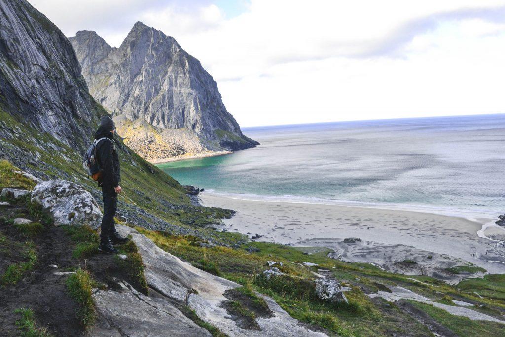 Ausblick auf den Kvalvika Strand Natur-Highlight Norwegen