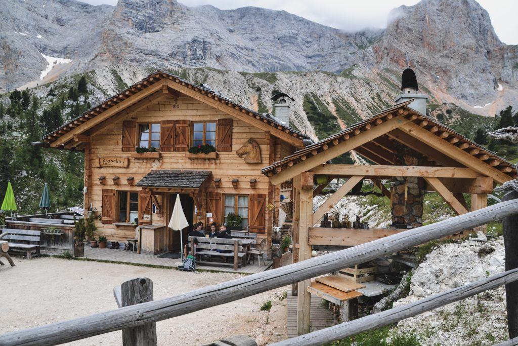 Rossalm Hütte in den Dolomiten