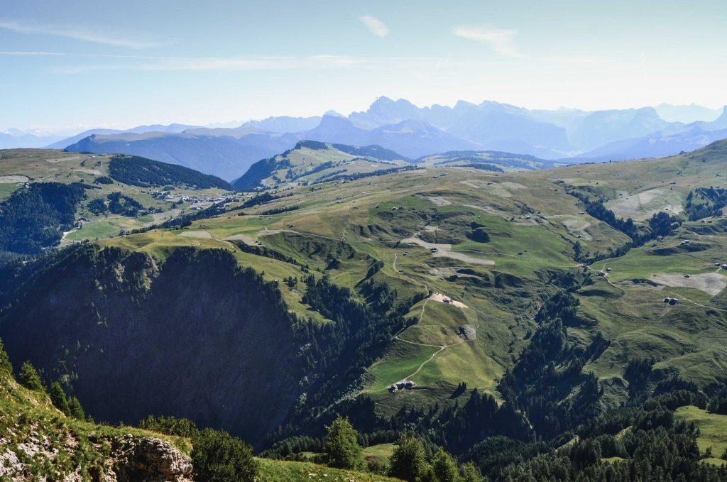 Panorama über die Seiser Alm bis nach Compatsch